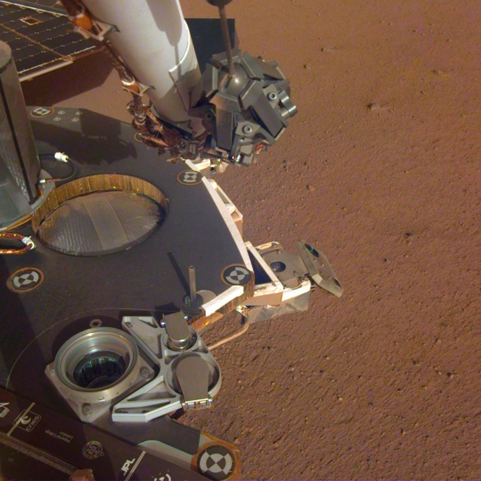 Striking new selfies from the InSight lander on Mars