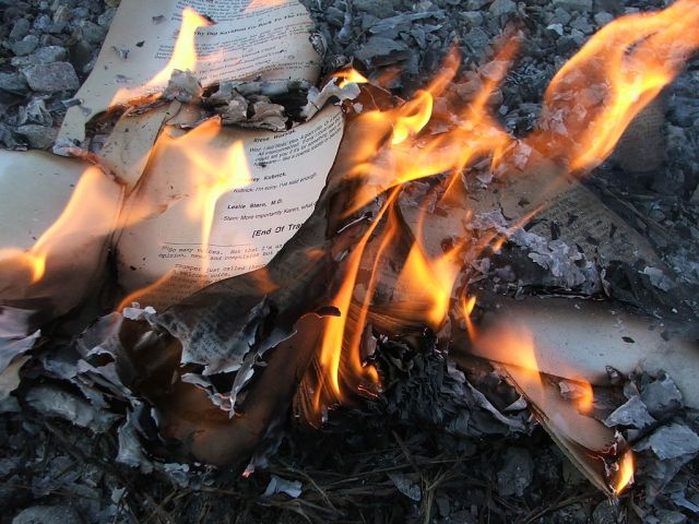 """Microsoft is about to shut off its ebook DRM servers: """"The books will stop working"""""""