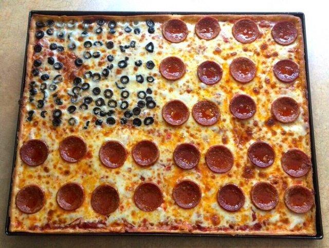 Pizza honoring September 11 gets surprise online response