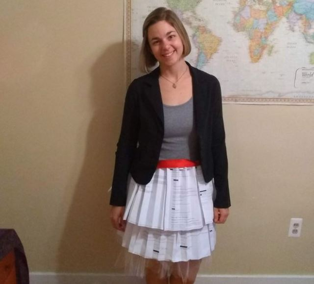 Grad student defended her dissertation while wearing a skirt made of rejection letters