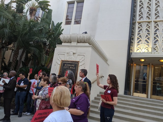 Burbank! Come to an emergency City Hall meeting on 10/29 to deal with the city's eviction crisis!