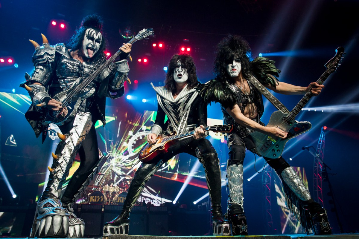 KISS played a concert on a boat for great white sharks, but none of them showed up