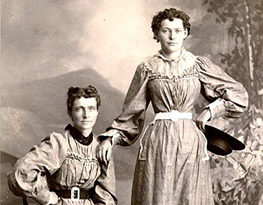 In 1896, Helga Estby set out to win $10,000 by walking across the United States