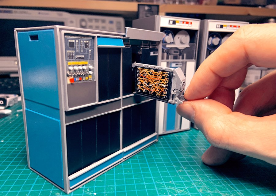 This tiny model of a big IBM 1401 computer from 1959 is so great