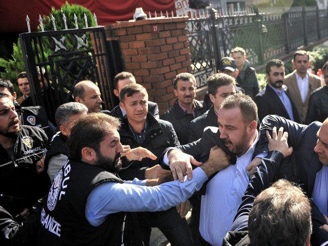 Znalezione obrazy dla zapytania erdogan arrests