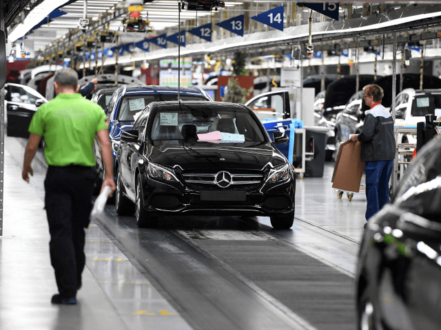Mercedes benz drops foreign construction workers from for Mercedes benz alabama jobs