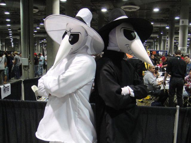 Spy vs. Spy (popculturegeek / Flickr / CC / Cropped)