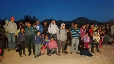 Ajo Station Border Patrol agents apprehend a large group of mostly Central American migrants in southern Arizona. (Photo: U.S. Border Patrol/Tucson Sector)