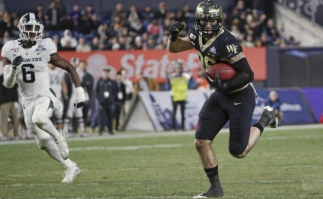 Michigan State Beats Wake Forest 27 21 In Pinstripe Bowl