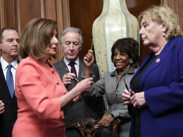 Nancy Pelosi pens (Susan Walsh / Associated Press)