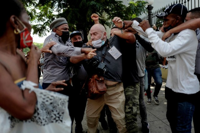 , Exclusive — ¿Donde Esta Joe? Florida Senator Rick Scott Slams Biden for Lack of Cuba Action, Nzuchi Times Breitbart