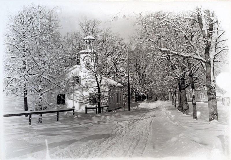 Klockhuset i vinterskrud, december 1931