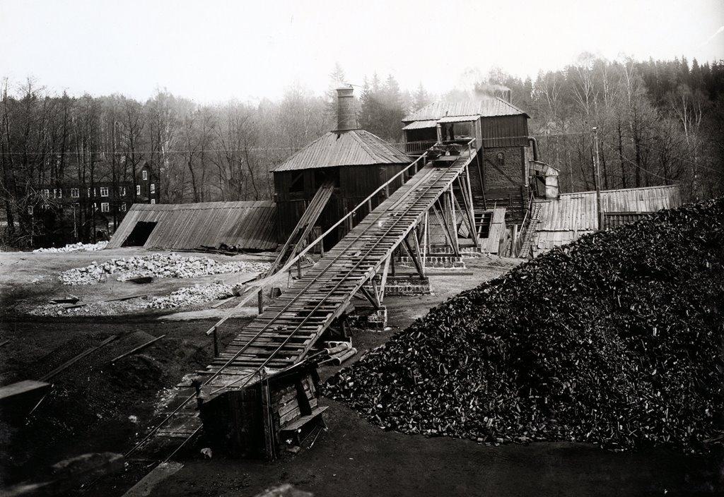 Engelsbergs hytta 1914, hyttan är i drift på bilden