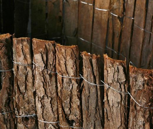 cloture ecorce de pin simple face 5 m de long x differentes hauteurs