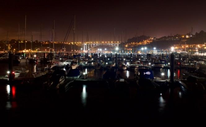 Vy från marinan mot Porto till vänster och Vila Nova Gaja till höger