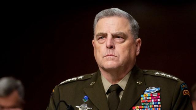 Un général américain ne rejette pas l'idée de collaborer avec les talibans pour affronter l'État islamique