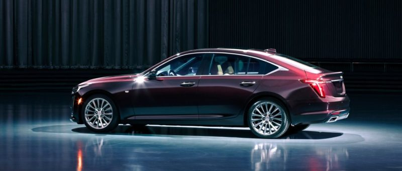 2020-Cadillac-CT5-PremiumLuxury-011