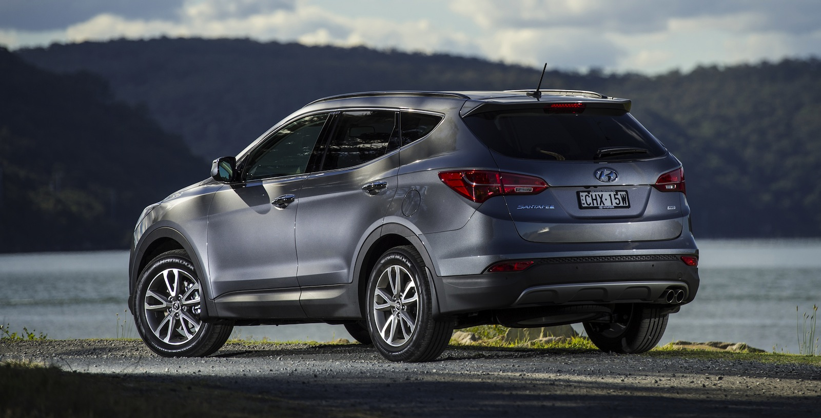 hight resolution of hyundai santa fe heavy duty towing kit boosts down ball rate to 150kg caradvice