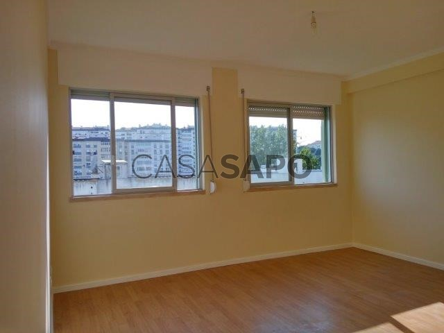Apartamento T1 Arrendamento 750 em Oeiras Oeiras e So