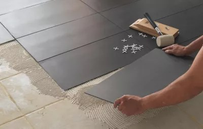recouvrir plan de travail cuisine adhesif