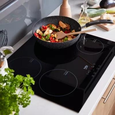 plaque de cuisson a induction beko hqi64400 at 4 foyers