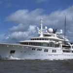 Billionaire yacht owner settles-up for reef damage