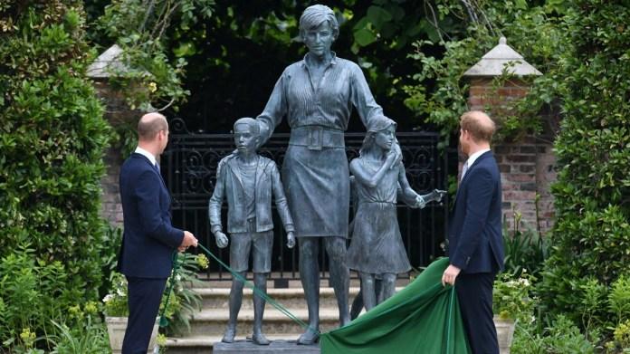 Princes William, Harry unveil Princess Diana's statue