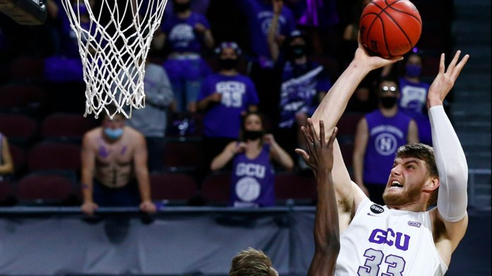 Pick Six: Veterans to watch as NCAA Tournament begins