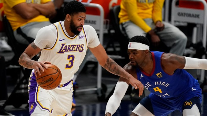 How should the Lakers handle Anthony Davis?