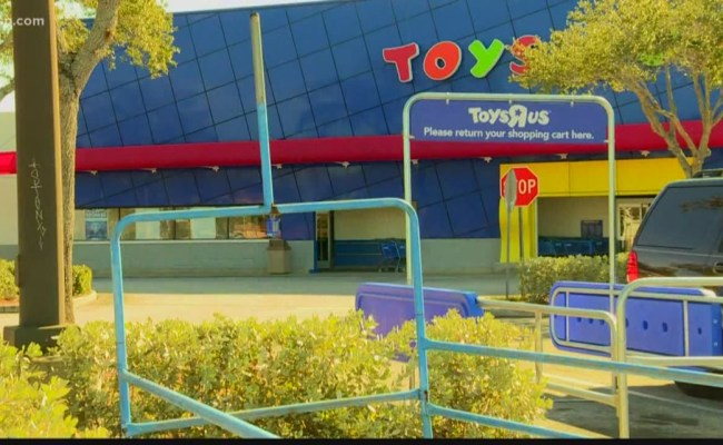 Report Toys R Us To Make Comeback Reopen Stores Before