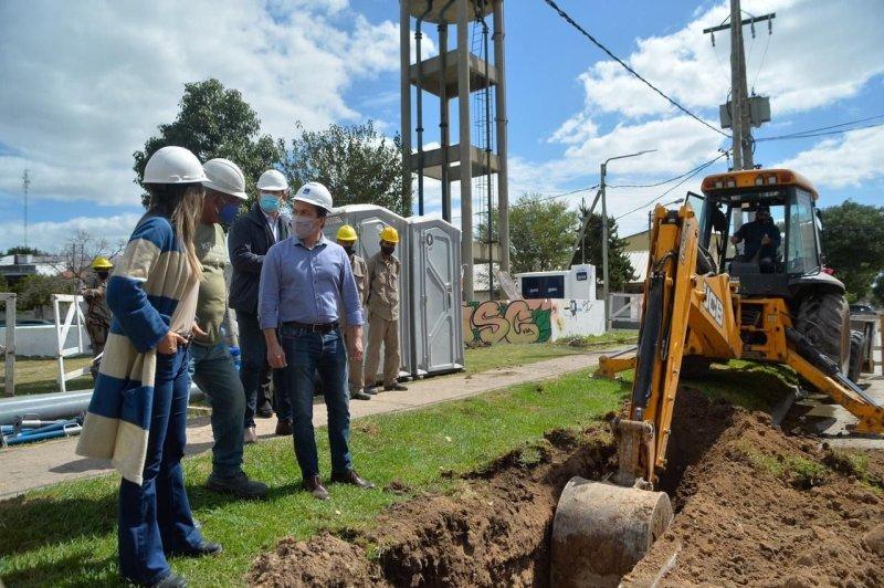 Galmarini y Watson evalúan proyectos para potenciar las red hidráulica en  Varela | El Destape