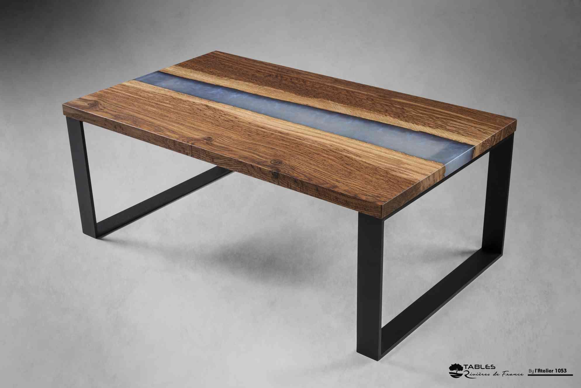 table basse en chene rouge et epoxy la sarthe