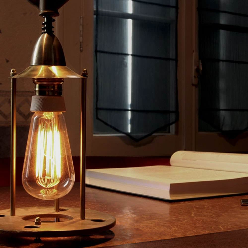 Lampe vintage for Lampe a poser industrielle