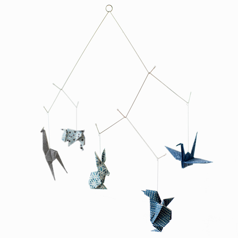 Mobile animaux origami - Chiyogami Bleu sur DesignfromParis.com