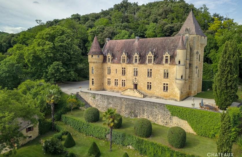 découvrir le patrimoine historique de la DORDOGNE depuis la colline du chateau de rouffillac surplombant et carlux