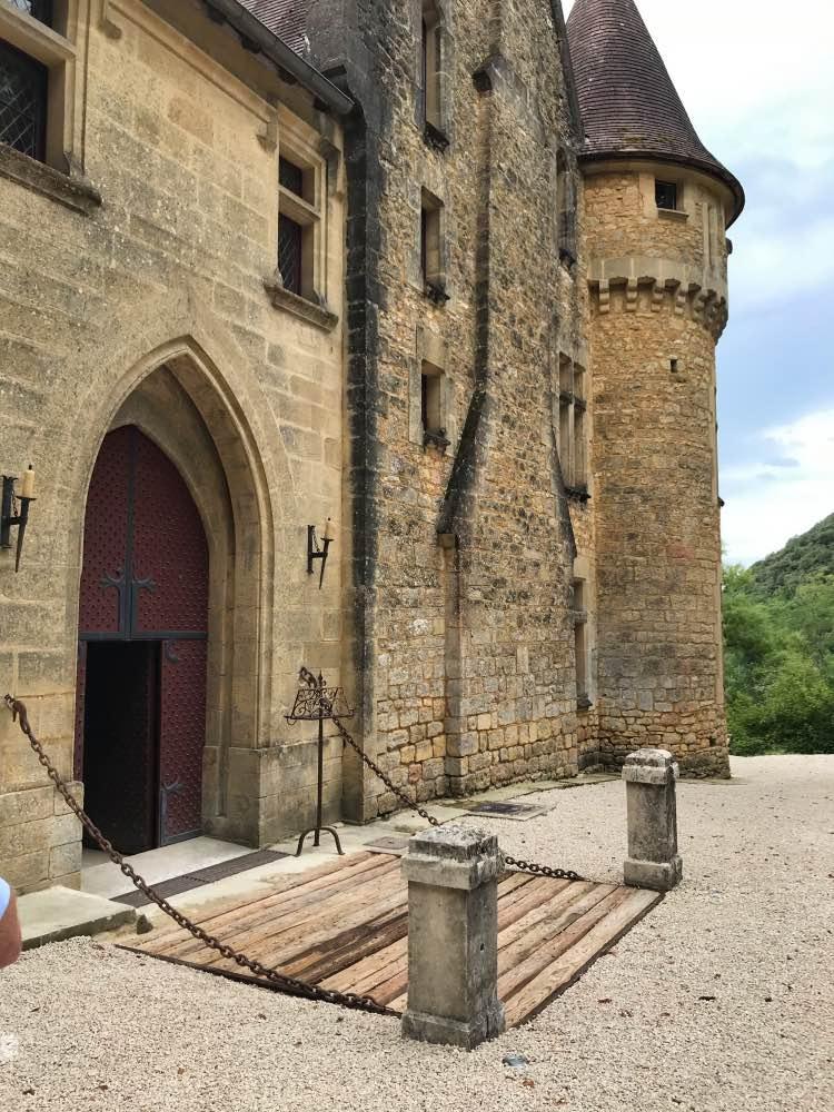 découvrir le patrimoine historique de la DORDOGNE au chateau de rouffillac médiéval