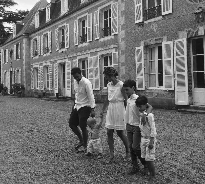 le château de bouthonvilliers et ses propriétaires en noir et blanc