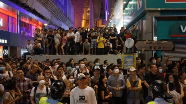 10月18日,群眾重奪旺角佔領區