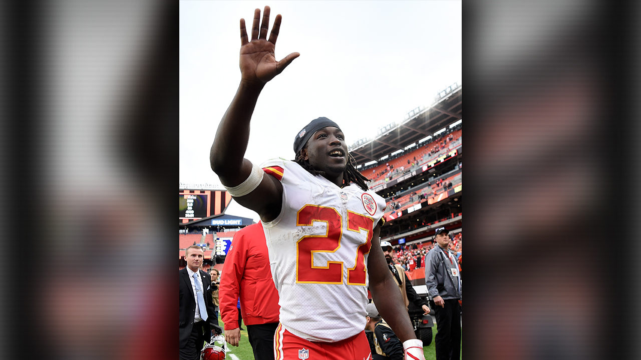 Chiefs cut Kareem Hunt hours after video surfaces of him