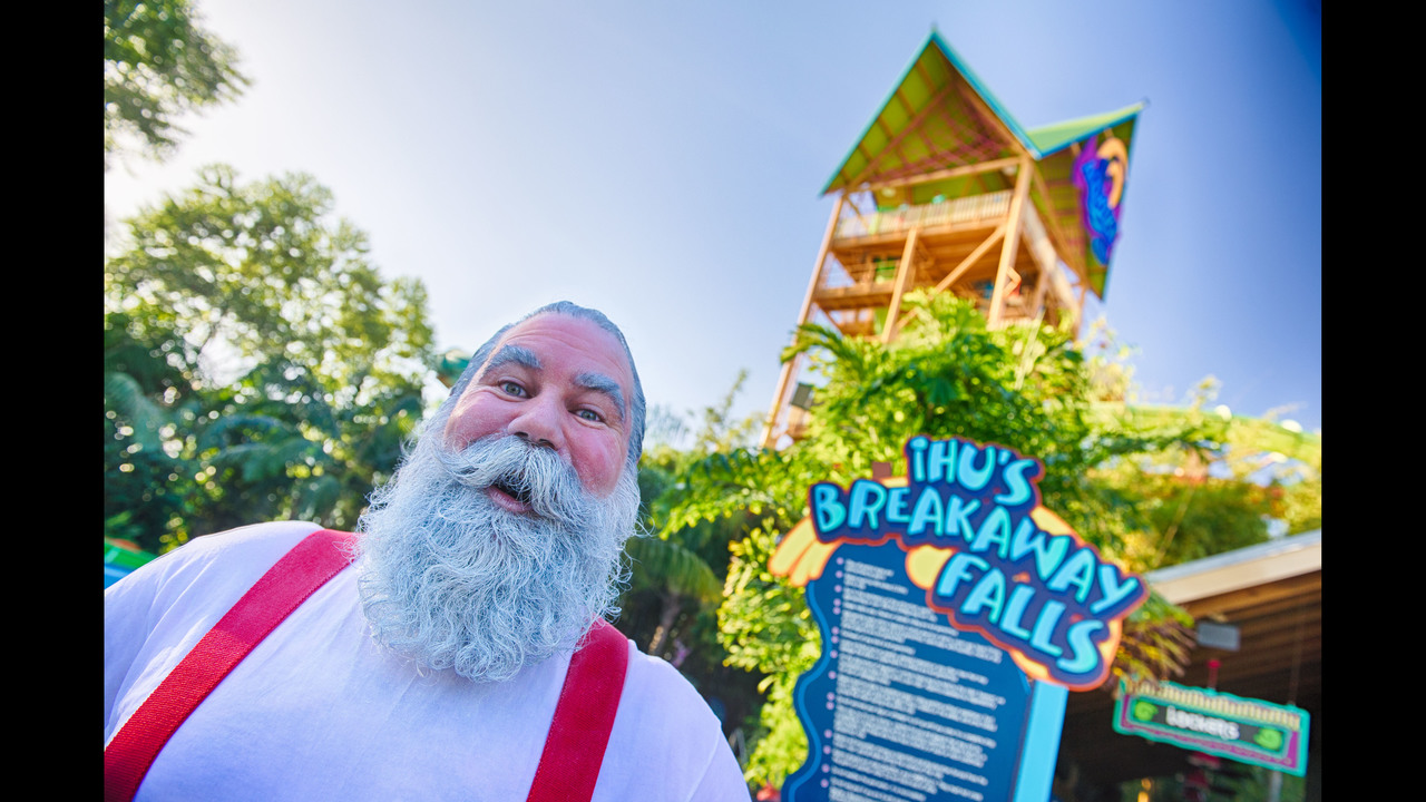 Santa Claus Rides Ihus Breakaway Falls At Aquatica