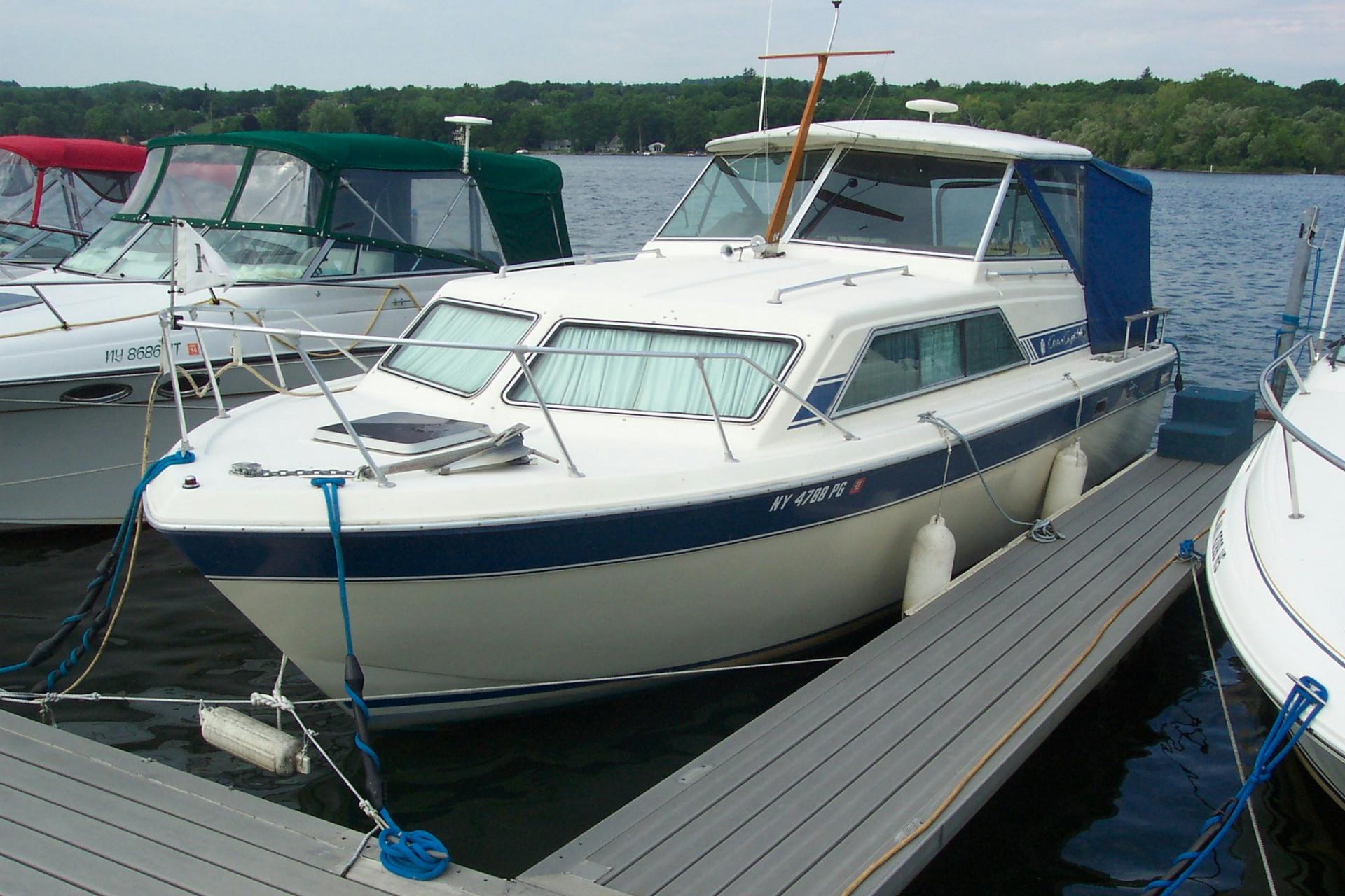 hight resolution of 1985 chris craft 280 express cruiser w i b v8