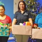 Immigration staffers bring Christmas to children's ward