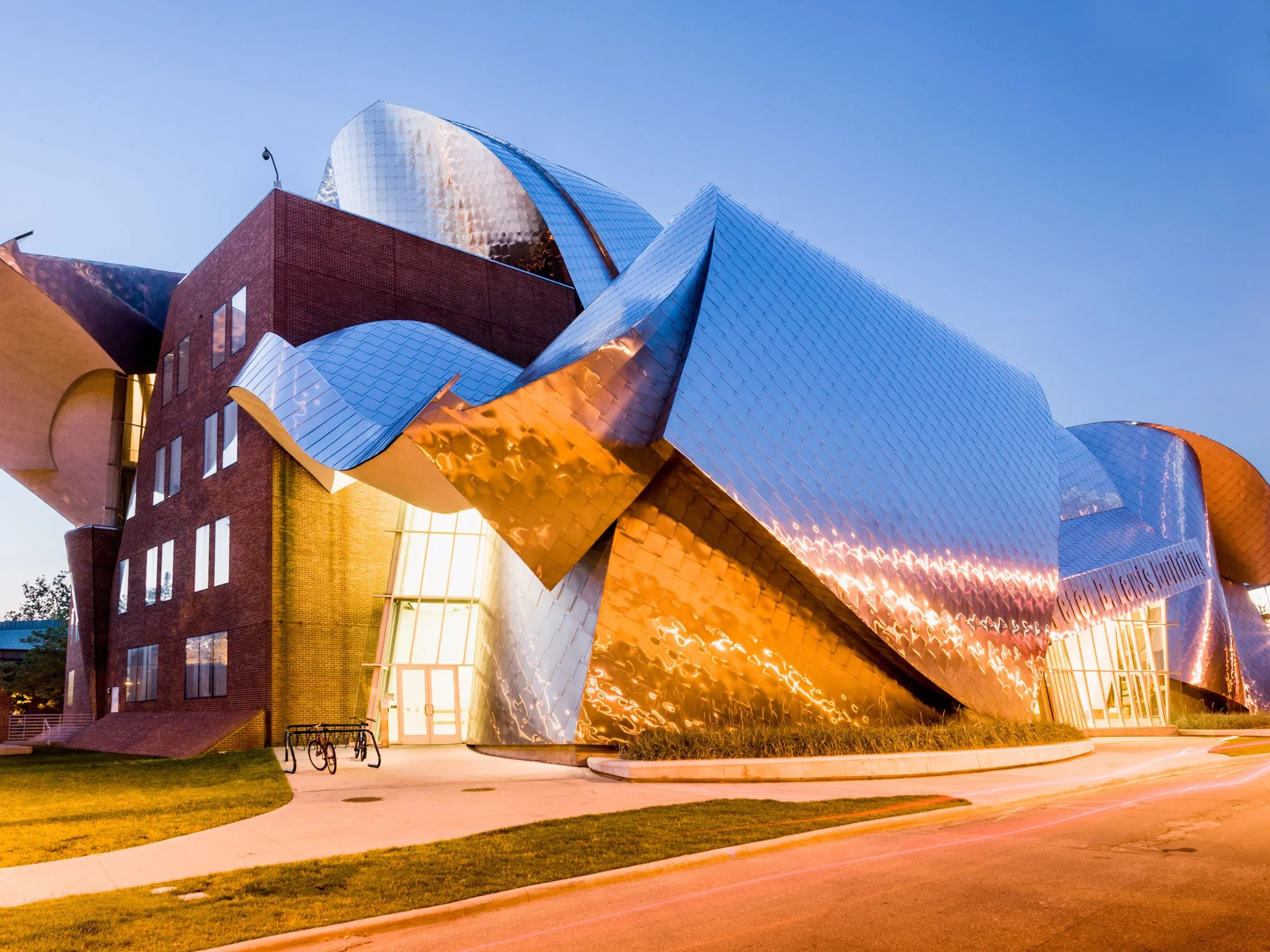 The Best Driving Trip To See Frank Gehry Architecture
