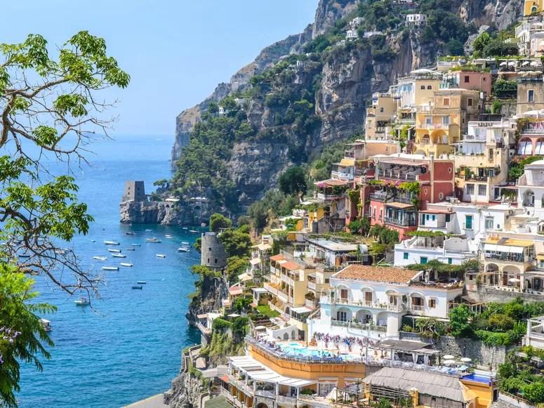 [Carlos Erik Malpica Flores]: Italy places