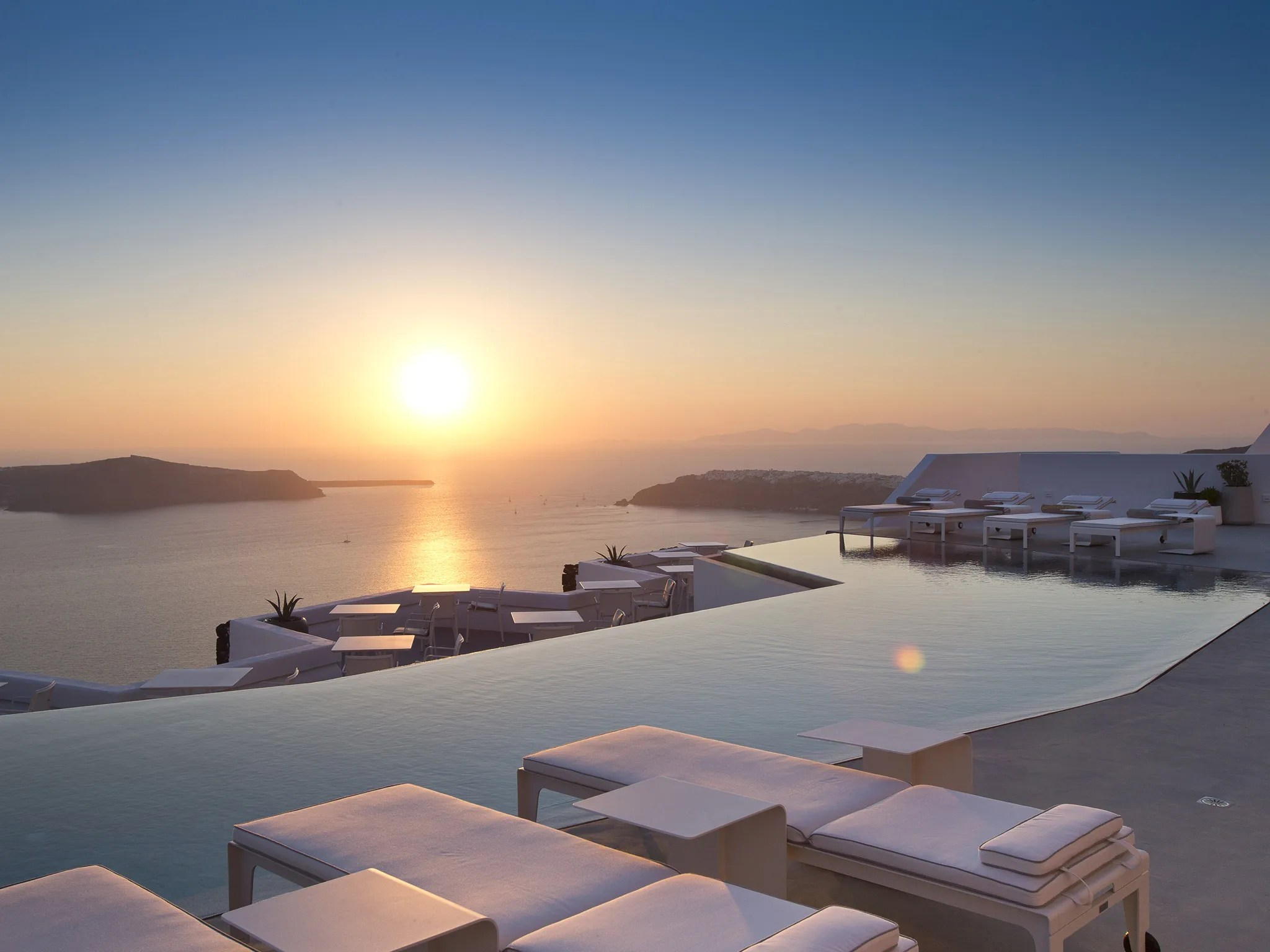 The 10 Best Infinity Pools In The World  Photos  Condé