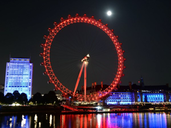 Person Spend Night In London Eye - Cond Nast Traveler