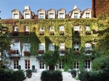 Pavillon De La Reine Paris