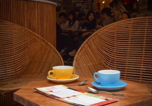 Quán cà phê Loustic Paris