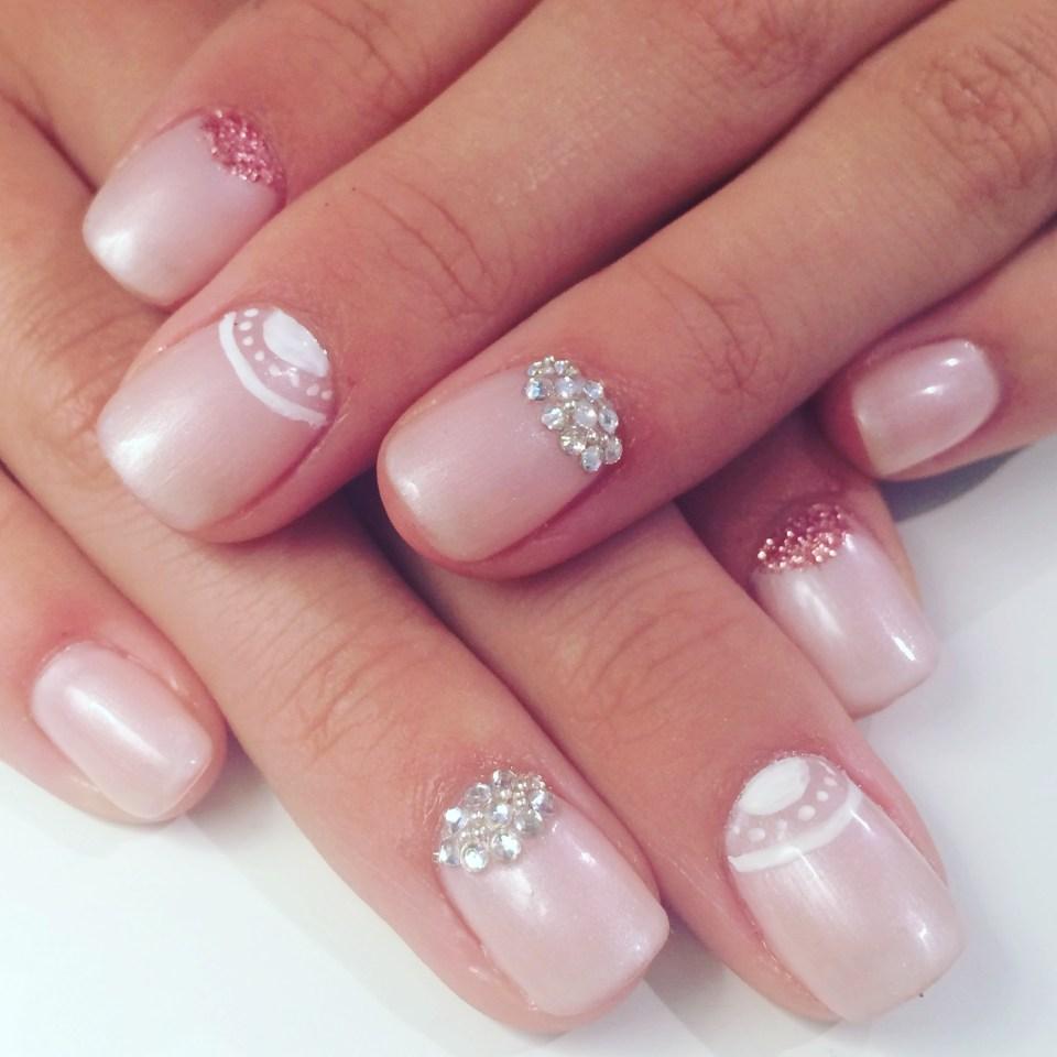Min dotter fick vackra naglar