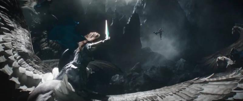 Wallpaper Scenes Of Fall New Images Of Cate Blanchett S Hela In Thor Ragnarok